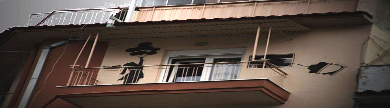 Μεγαλώνοντας στο «πίσω μπαλκόνι» της Δυτικής Αττικής