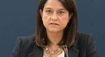 Μετά την υπουργό της «φωτοτυπίας» και τους υπουργούς της αδιοριστίας, η υπουργός Κ(αμ)εραμέως