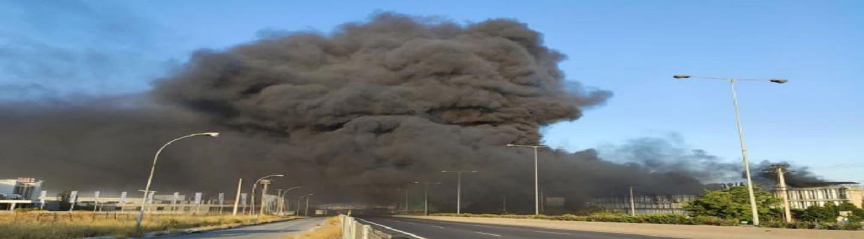 Μεταμόρφωση: Καίει ακόμα η φωτιά στο εργοστάσιο πλαστικών