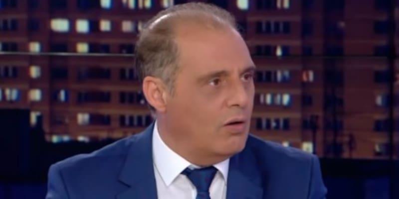 Να σταλούν οι πρόσφυγες σε Γυάρο και Μακρόνησο ζητάει ο Βελόπουλος
