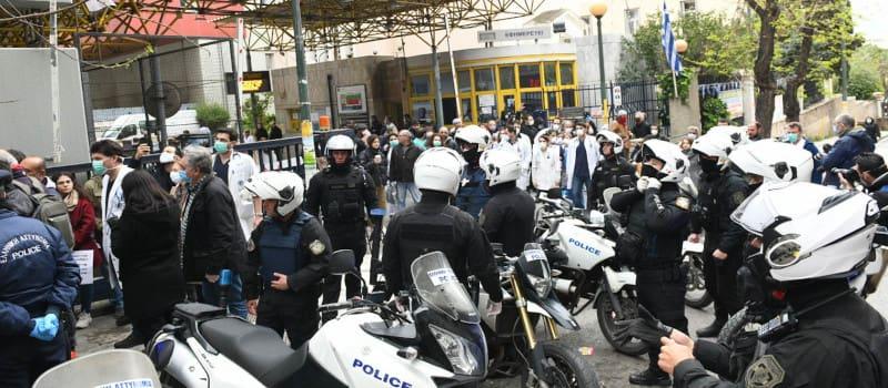 ΟΕΝΓΕ: «Έστειλαν αστυνομικούς να μας κάνουν μαθήματα υγιεινής»
