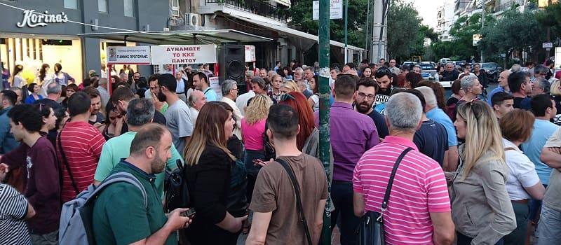 Οι κομμουνιστές στην Πετρούπολη τραγουδούν παρά την ήττα