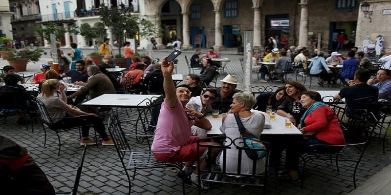 Ο Τραμπ απαγόρευσε να επισκέπτονται την Κούβα αμερικανοί πολίτες!