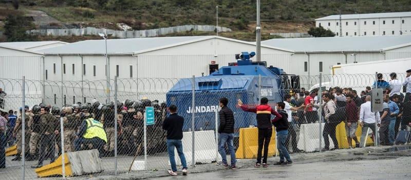 Τουρκία: Ασθενοφόρα δίχως σειρήνες για να γλιτώσουν την οργή