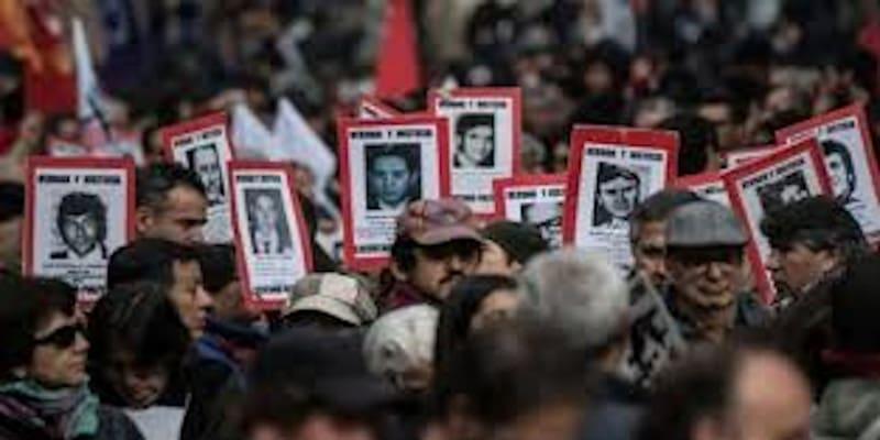 Χιλή: Καταγγελίες για σεξουαλική κακοποίηση διαδηλωτών από την αστυνομία