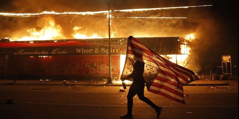 Capitalism means «I can't breathe» - Κινητοποίηση στην Αμερικανική Πρεσβεία την 1η Ιουνίου