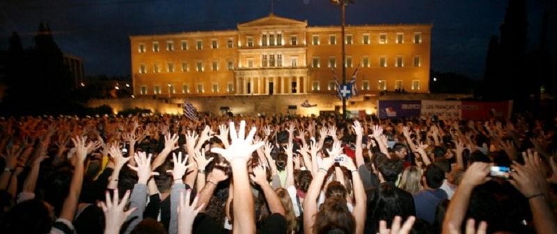 Η επανάσταση «χύμα» και το ακίνητο κίνημα