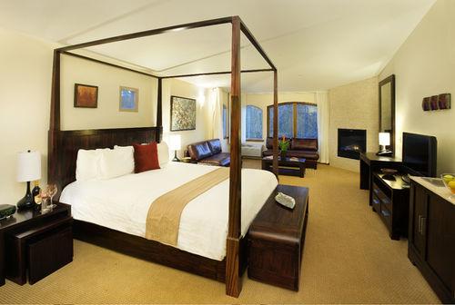 Cambria Hotel Room