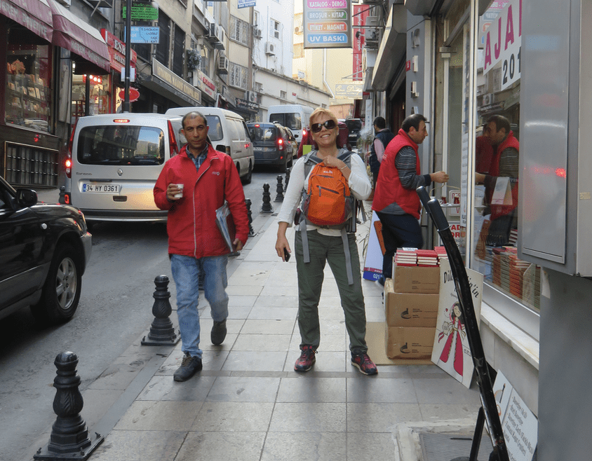 Jay Artale flashpacking in Istanbul