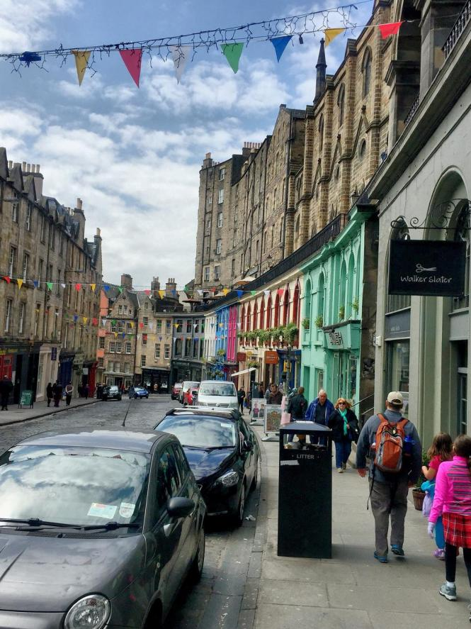 Streets of Edinburgh - Victoria Street