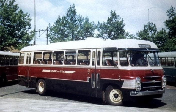 Particuliere busonderneming Gebr. van Gog, Volvo, bus 74, Delftseplein 1967