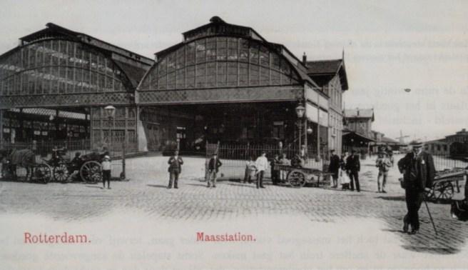 Het Maasstation gezien vanaf de Oosterkade, ca. 1880