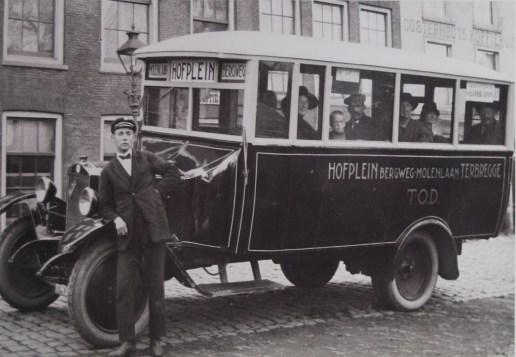 De particuliere streekbusdienst van de Terbregse Omnibus Dienst (T.O.D.) op de lijn Hofplein-Terbregge, 1926