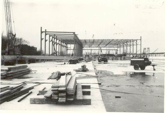 De bouw van de remise Hilledijk.