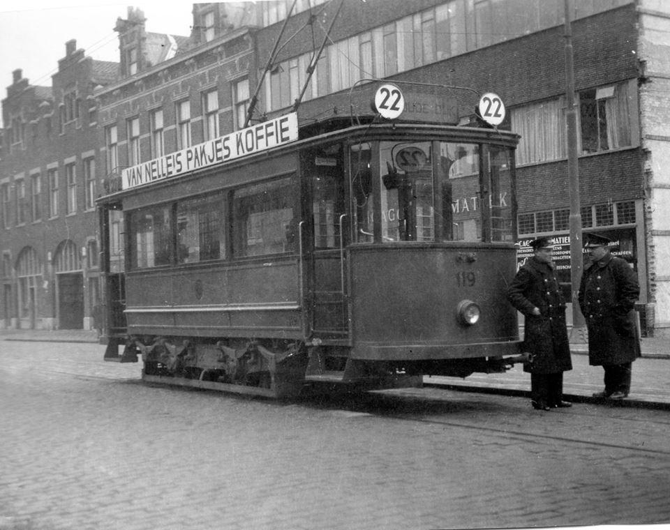 motorrijtuig 119, de enige uit de serie in de RET-kleur, lijn 22, Walenburgerweg, 5-2-1934
