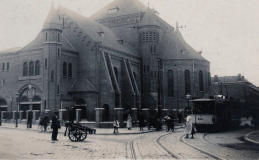 Het vernummerde aanhangrijtuig 291 op de Crooswijkseweg kruising Pijperstraat, ca. 1920