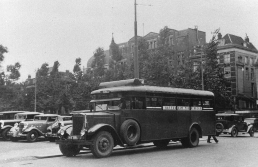 Bus 101, H-81719, Krupp-Allan, werkfoto. Met de 102 een toerwagen voor rondritten. In 1937 vernummerd in 47 en 48 en ingericht voor normale dienst. Noordblaak 1931