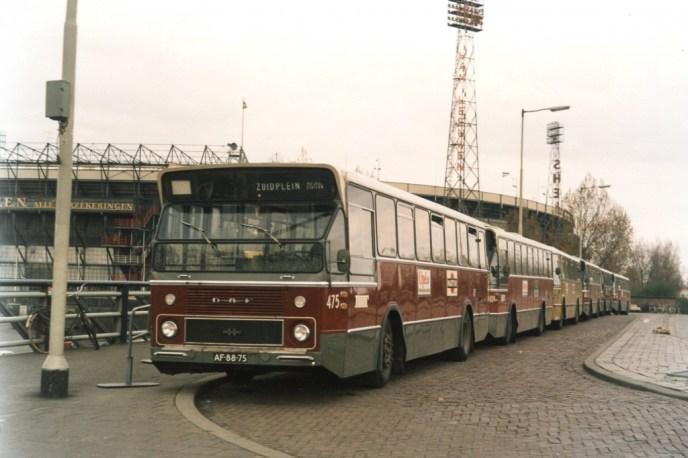 Bus 475, DAF-Hainje, stadionvervoer, Stadionviaduct, ook 409, 924 en 408, 25-4-1971 (foto: C.G.M. Krebbers)