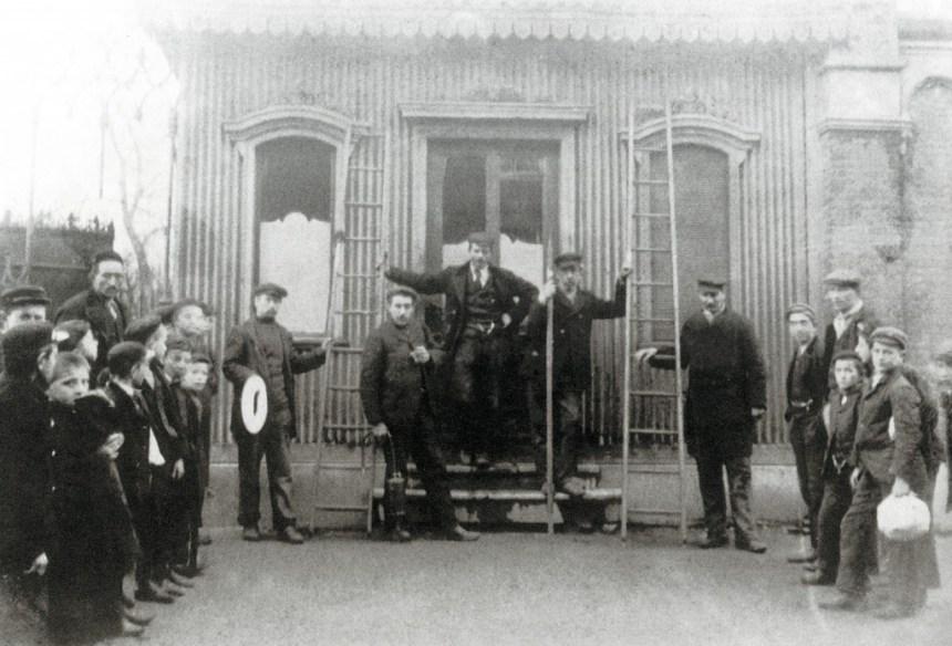 Het wachthuisje van de stoomtramlijn naar Schiedam aan de Van Oldenbarneveltstraat, ca. 1890