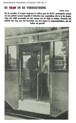19401004-witte-treden-in-de-tram-rn