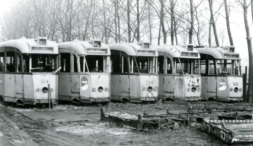 Motorrijtuigen 104, 127, 124, 126, 103, sloop, 20-12-1977, (foto: D. de Haan)