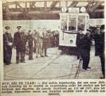 19460825 STA tram rijdt bovenleiding kapot