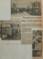 19550608-Tramtrein-ramt-bus-vol-kinderen, Verzameling Hans Kaper