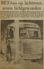19560216-RET-bus-op-lichtmast