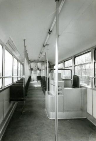Motorrijtuig 231, interieur, Van Aerssenlaan, 2-1957, (foto: B. Mees)
