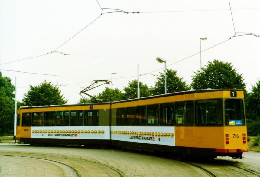 Motorrijtuig 716, lijn 1, Honingerdijk, 20-8-1983, reclametram McDonald's