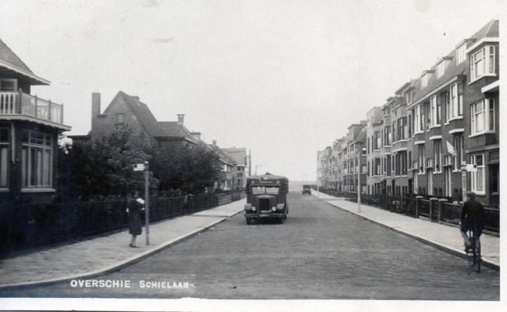 Krupp-Allan RET-bus 9, ca. 1929, lijn D nadert halte Schielaan-Delftweg
