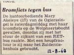 19680812 Bromfiets tegen bus
