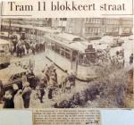 19690225 Tram 11 blokkeert Huygensstraat