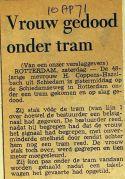 19710410 Vrouw gedood onder tram.