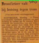19710804 Bromfietser tegen tram.