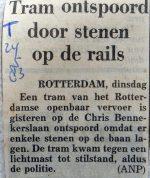 19830524-tram-ontspoord-door-stenen-op-de-rails-teleg
