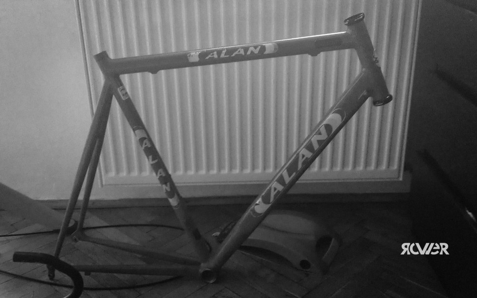 Klasyczna szosa zklasyczną geometrią. Nie mam niestety żadnego zdjęcia tego roweru wpełnej okazałości...