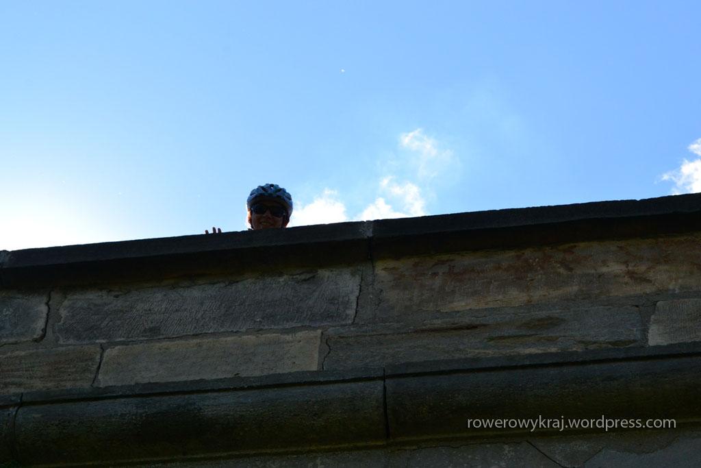 Ja na górze, fotograf na dole. Na szczęście woda już tędy nie płynie ;)