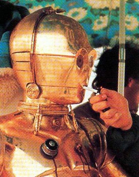 C-3PO taking a smoke break - Star Wars, Cigarette, Anthony Daniels