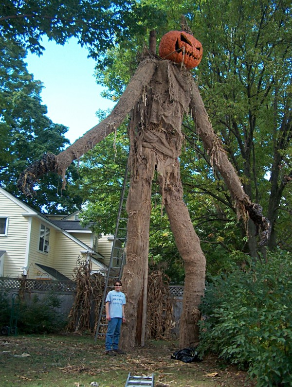 Awesome Giant Scarecrow - pumpkinhead