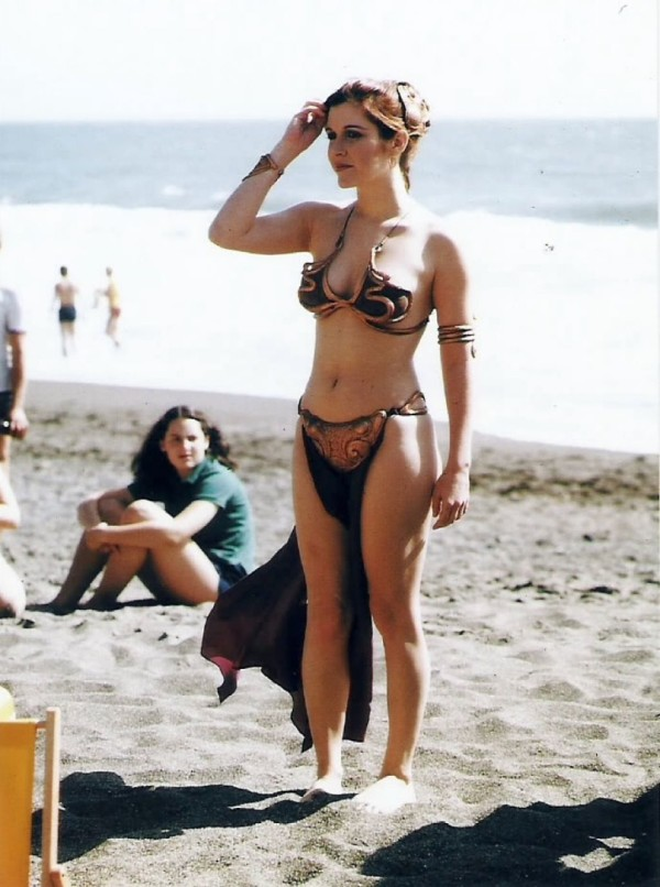 Slave Leia on Beach Behind the Scenes - Star Wars Rolling Stone Cover July 1983