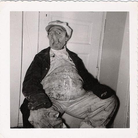 creepy vintage halloween photos 122 pics part 4. Black Bedroom Furniture Sets. Home Design Ideas