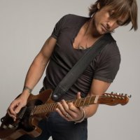 Watch Keith Urban Nail His Tribute To The Bee Gees