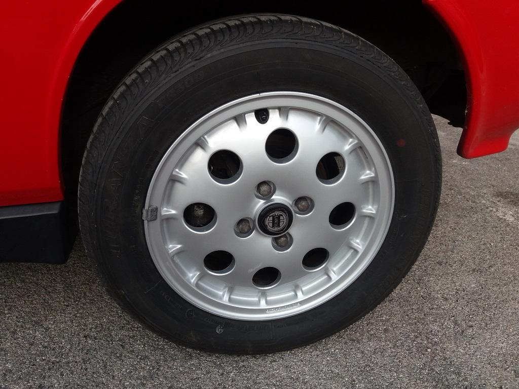Lancia Delta HF Turbo i.e (11)