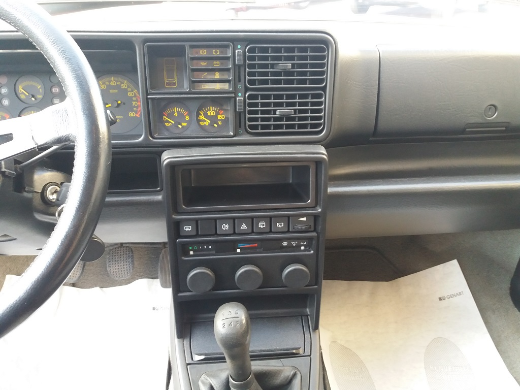 Lancia Delta HF Turbo i.e (15)