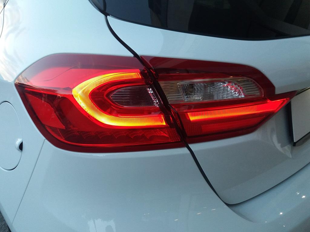 Ford Fiesta Vignale 1.5 TDCi 85 cv 5p (24)