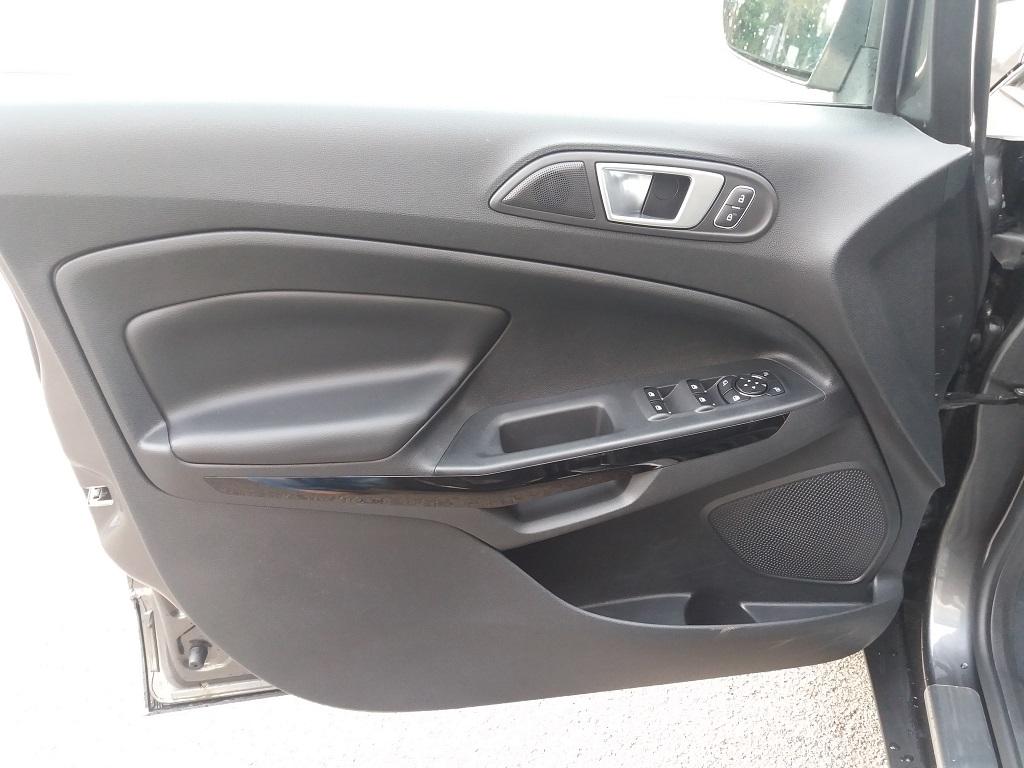 Ford EcoSport 1.5 TDCi EcoBlue 100 cv S&S Titanium (17)