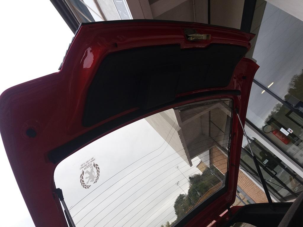 Peugeot 205 1.9 GTI 130 cv (17)