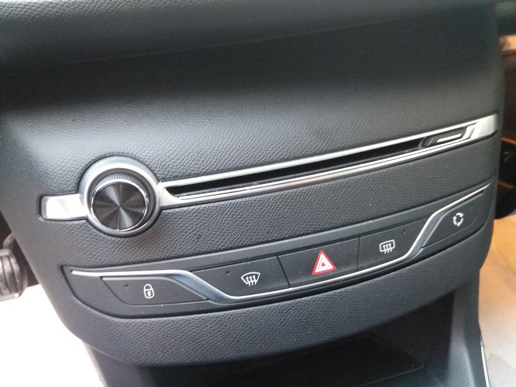 Peugeot 308 BlueHDi 120 S&S Allure (49)