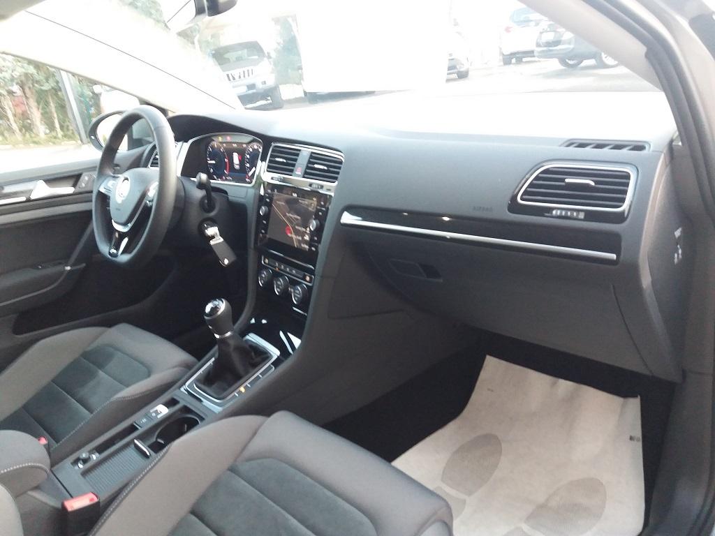 Volkswagen Golf 1.6 TDI Executive 115 cv (24)